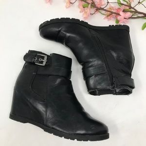 Unisa Black Buckle Detail Wedge Ankle Boots sz 7.5